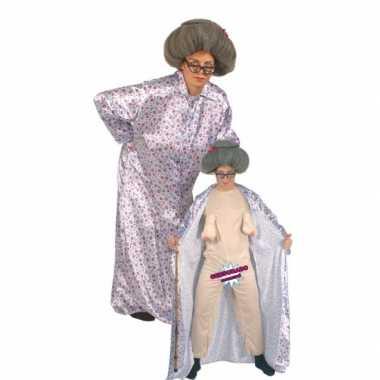 Bejaarde vrouw carnavalskleding