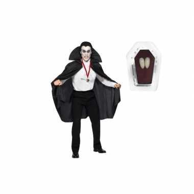 Dracula cape zwart inclusief hoektanden voor volwassen