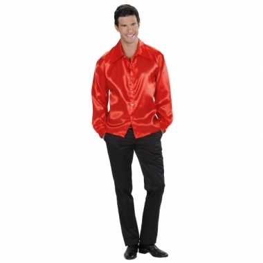 Glimmende rode overhemden