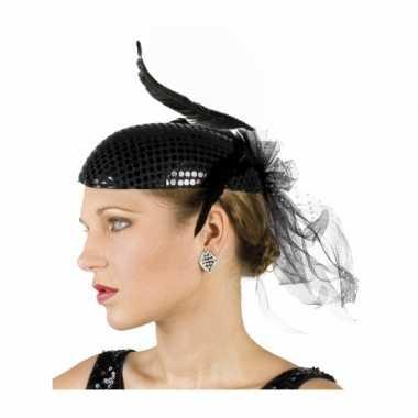 Glimmende zwart hoedje met veren