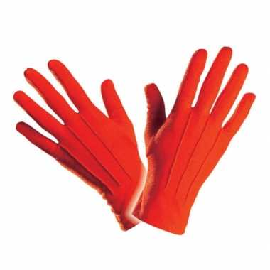 Handschoenen in het rood
