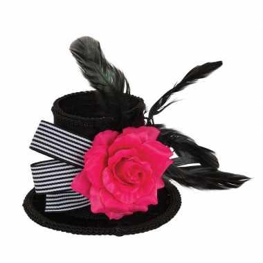 Hoge zwarte mini hoedje met roos en veren op clip voor dames