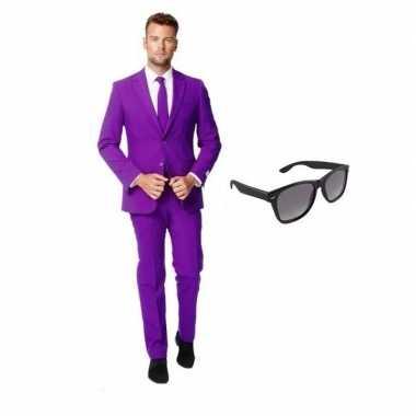 Paars heren carnavalskleding maat 50 (l) met gratis zonnebril