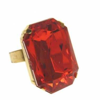 Rechthoekige gangster ring met rode steen