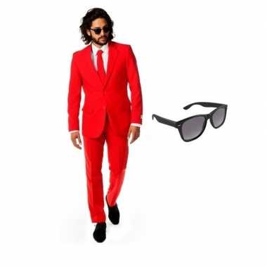 Rood heren carnavalskleding maat 48 (m) met gratis zonnebril