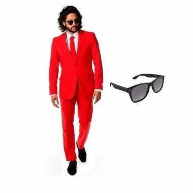 Rood heren carnavalskleding maat 50 (l) met gratis zonnebril