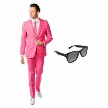 Roze heren carnavalskleding maat 52 (xl) met gratis zonnebril