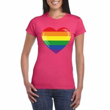 T shirt met regenboog vlag in hart roze dames