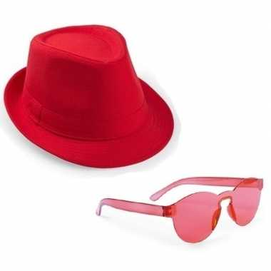 Toppers rood trilby party hoedje met rode zonnebril