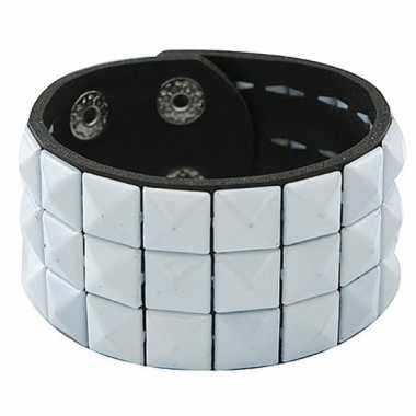 Zwarte armband met witte studs