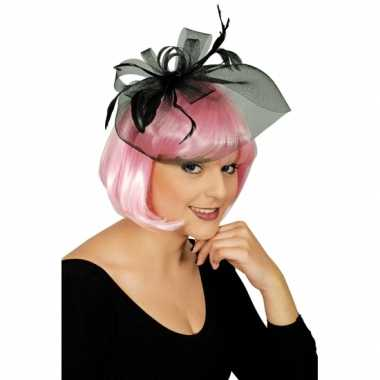 Zwarte sluier verkleedaccessoire met strik en veren voor dames